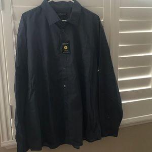 Men's Claiborne long sleeve dress shirt.